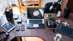 Quels sont les avantages et les inconvénients du high-tech dans la vie quotidienne ?